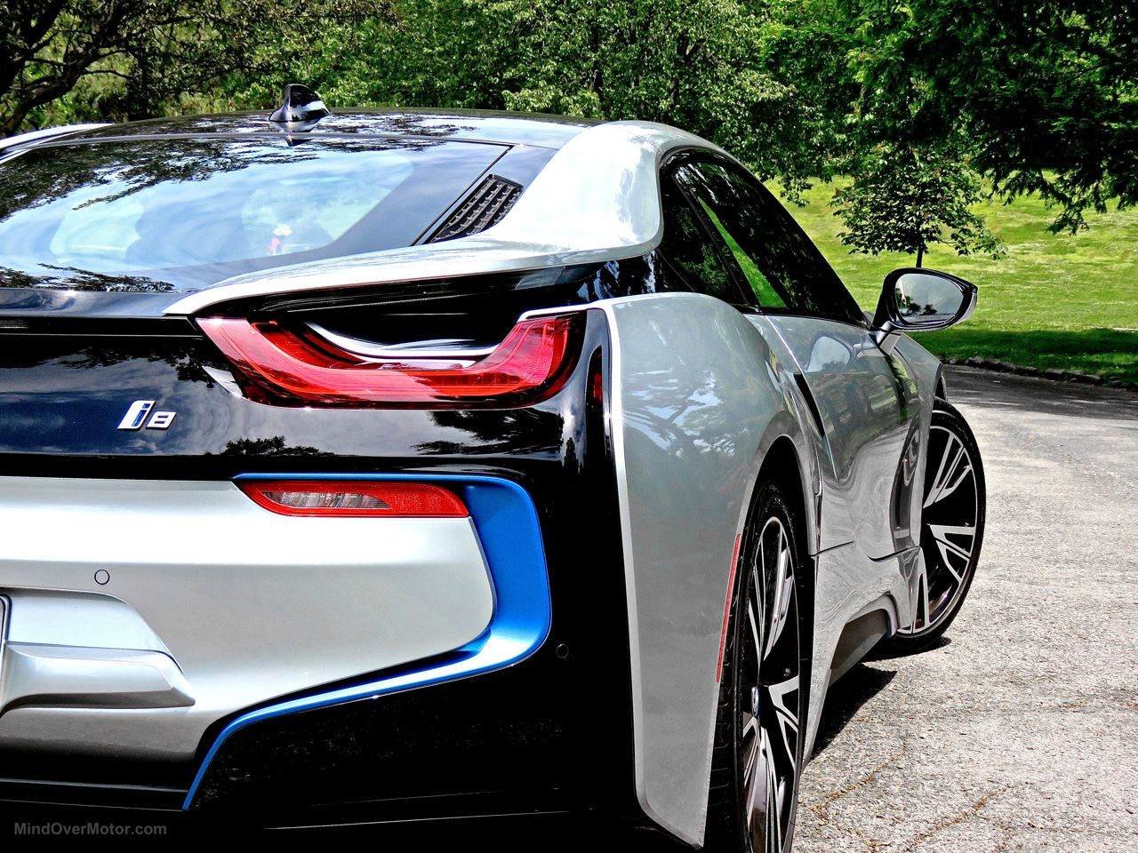 BMW i8 Review 10