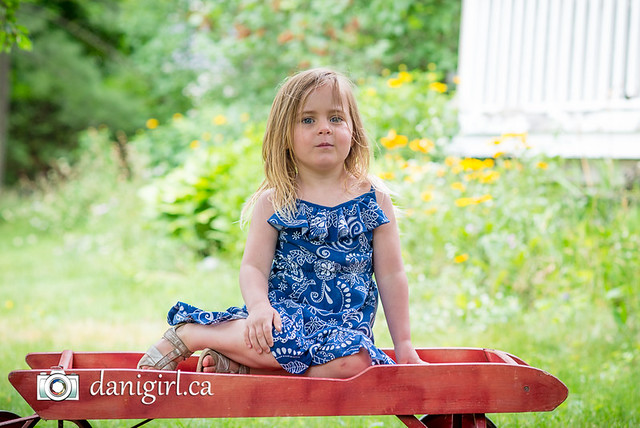 Candid, playful portraits of kids and families by Ottawa photographer Danielle Donders