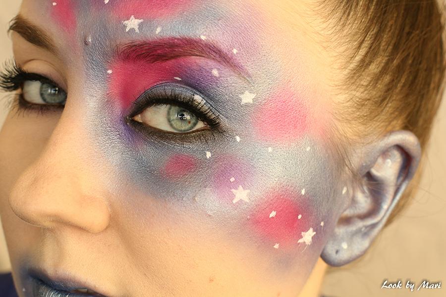 17 galaxy blue