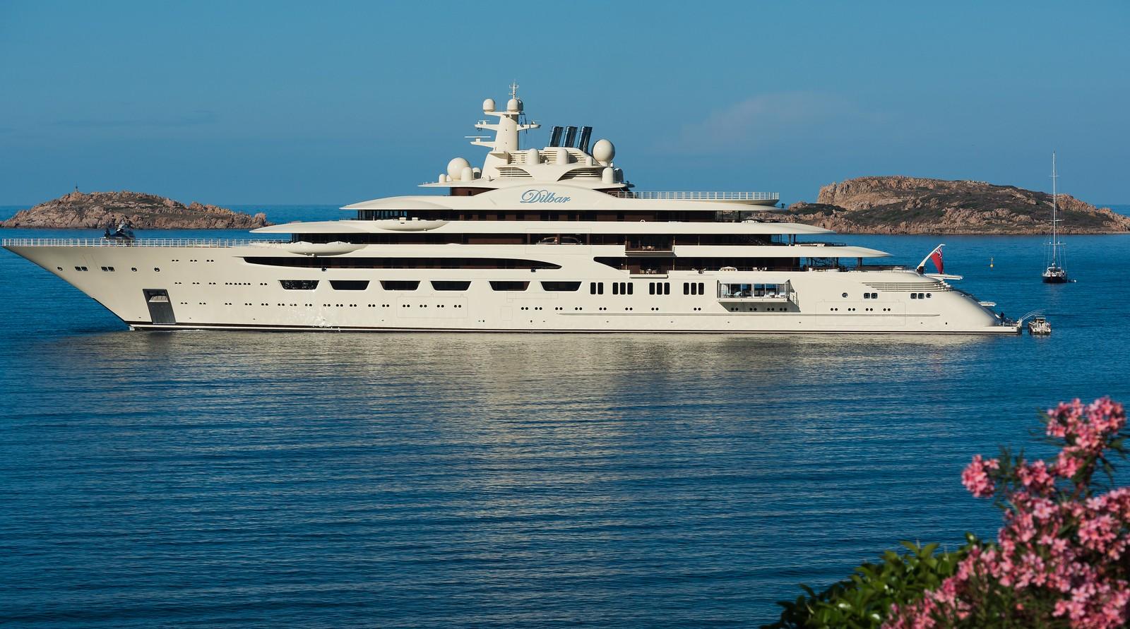 Yacht Dilbar 2156m di lunghezza 23 di larghezza e alto 30