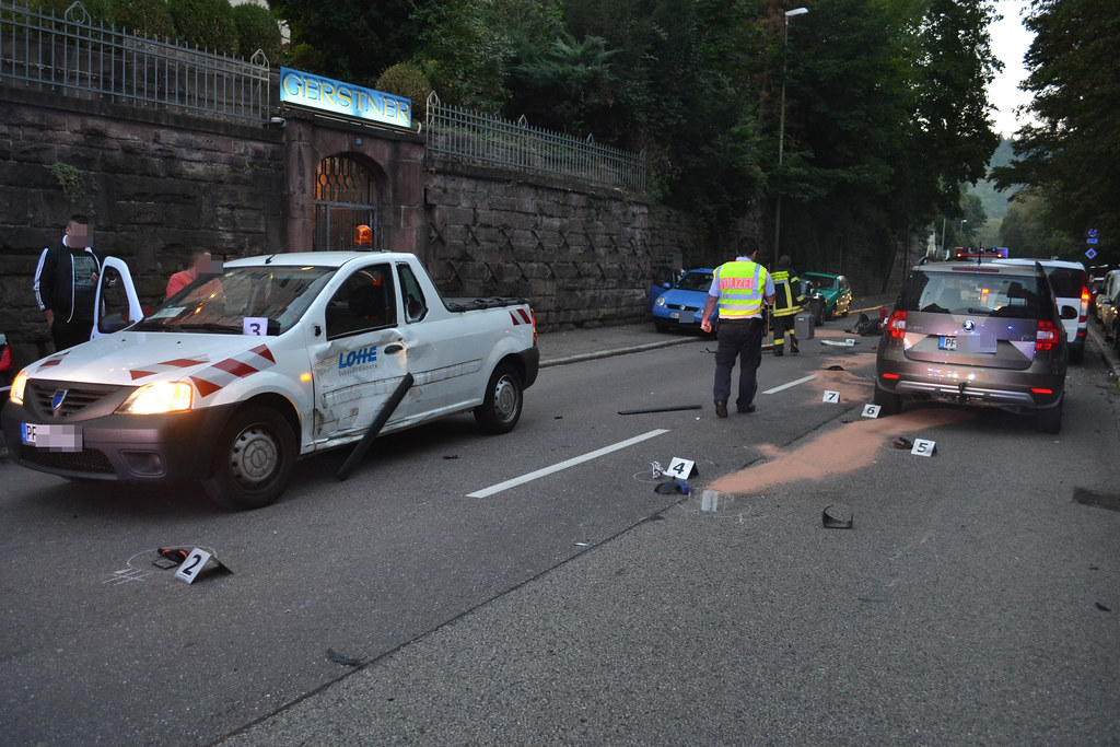 Pforzheim: 16-jähriger verstirbt nach Motorradunfall - Calwer Str. - 15.09.2016