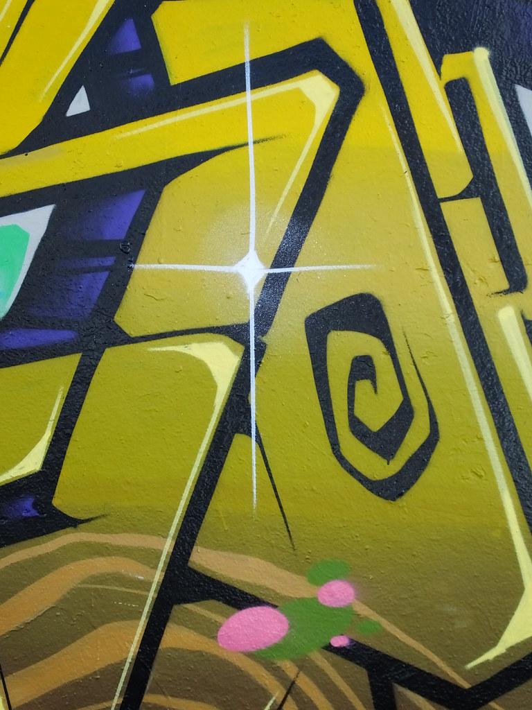 Street art Cardiff, Elm Street