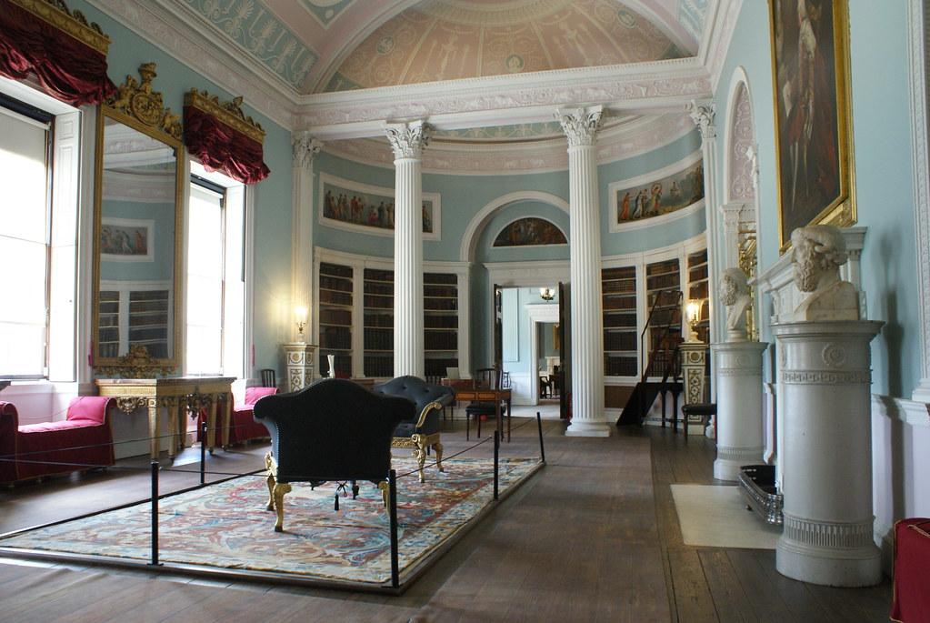 Bibliothèque de la Kenwood House dans le style néoclassique.