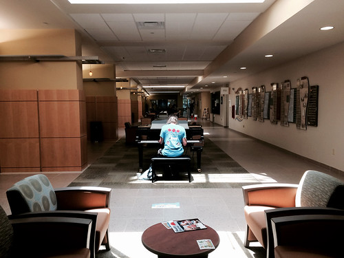 Hospital Piano Man (July 18 2015)