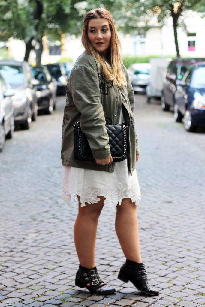 outfit-look-style-modeblog-fashionblog-tasche-jacke-zara-print-spitzenkleid-sommer11