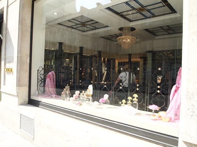 P5281817 シャンゼリゼ大通り L'Avenue des Champs-Élysées パリ フランス paris france