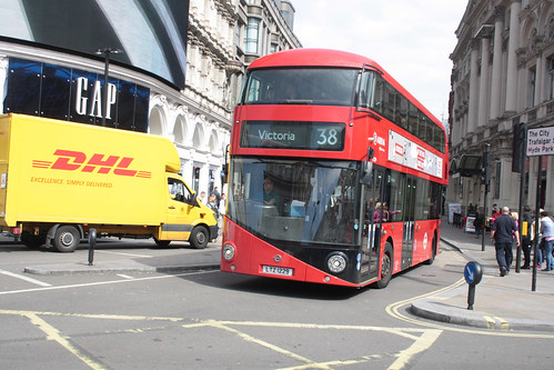Arriva London North LT229