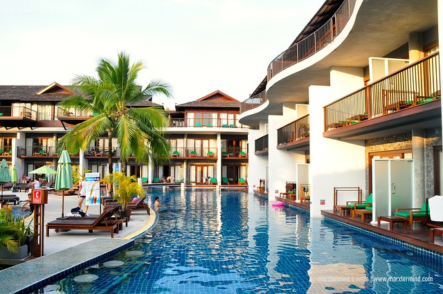 Couple Wing of Holiday Inn Resort Krabi Ao Nang Beach