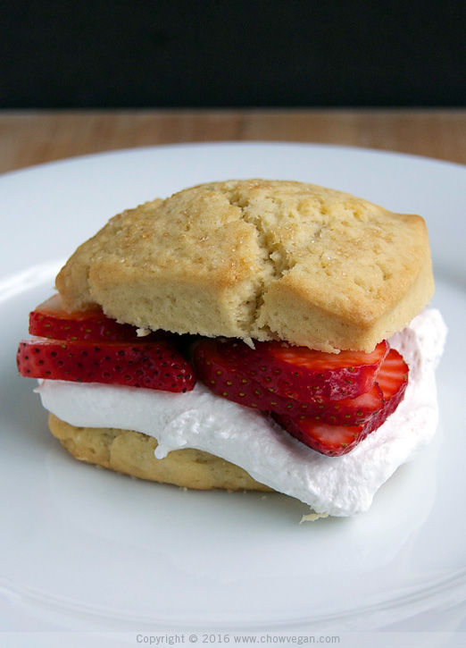Vegan Scone with Strawberries and CocoWhip