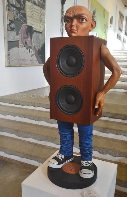 pinto art museum gallery 2 speaker man