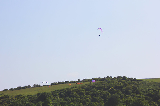 Paragliding at Sharpenhoe Clappers