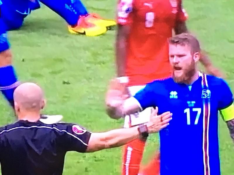 Iceland 2 - 1 Austria
