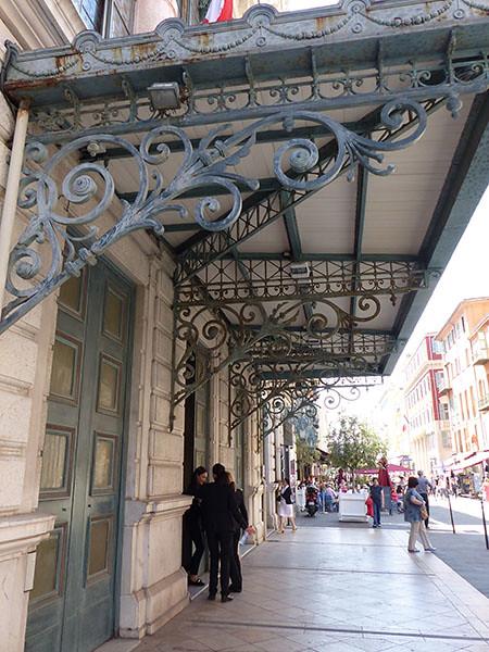 entrée de l'opéra de Nice