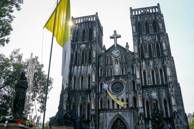 St. Joseph's Cathedral, Hanoi, Vietnam ハノイ大教会外観