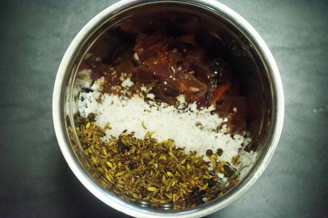 blending ingredients for salna
