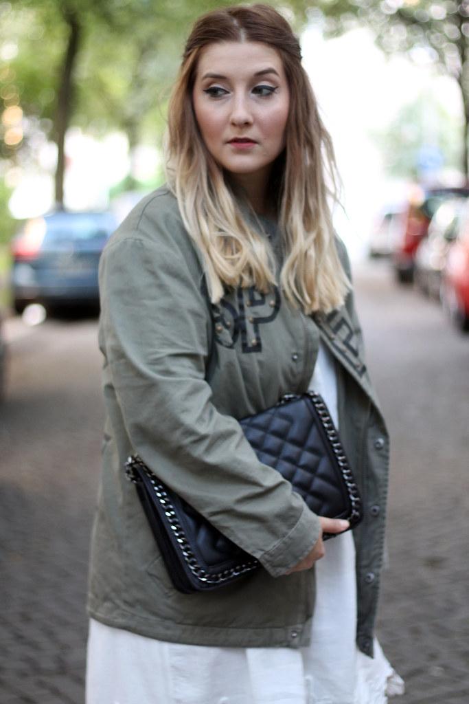 outfit-look-style-modeblog-fashionblog-tasche-jacke-zara-print-spitzenkleid-sommer1