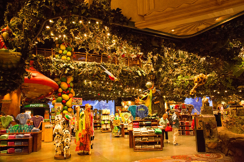 The Rainforest Cafe at MGM Grand. Image: Jimmy Harris, CC. Las Vegas with kids.