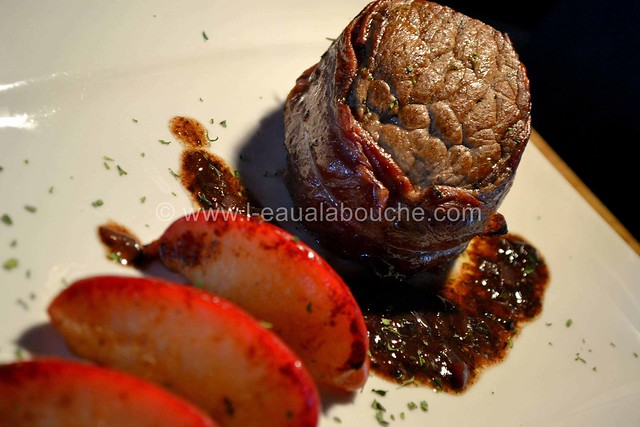 Tournedos à la Pancetta et ses Pommes Rôties  © Ana Luthi 000018