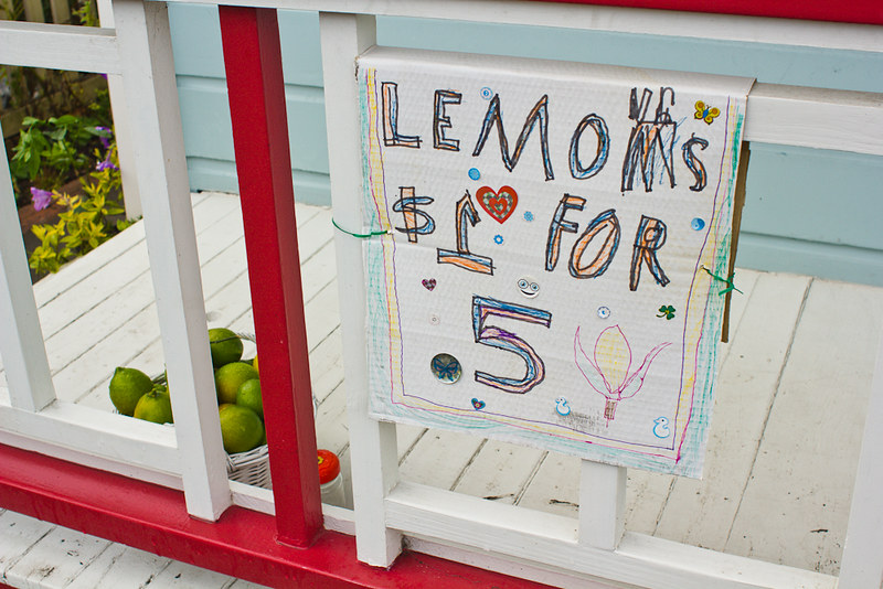 Lemons $1 for 5