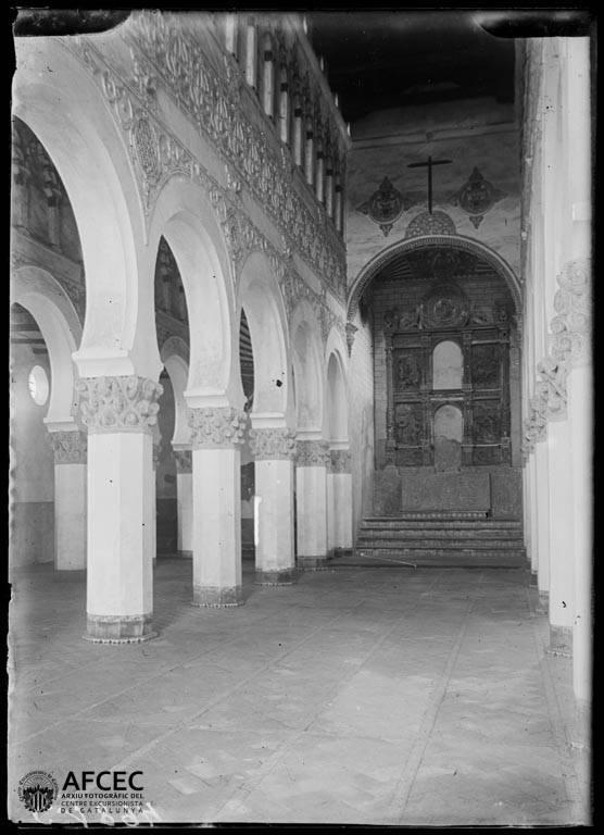 Sinagoga de Santa María la Blanca en Toledo a comienzos del siglo XX. Autor Desconocido   © Centre Excursionista de Catalunya