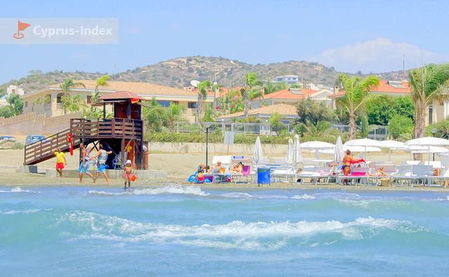 Спасательная вышка на пляже Малинди, Лимассол, Кипр