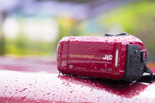防水ビデオカメラ JVC GZ-RX130 必要十分で安かった