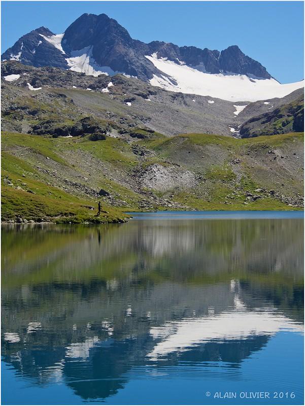 Vers le glacier de l'Étendard 29118608732_a4f871192b_b