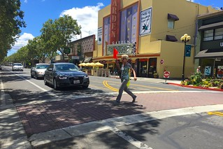 Pedestrian crossing Lincoln Avenue Willow Glen with a flag 16 June 2016