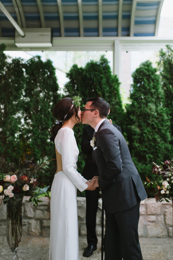 Celine Kim Photography Auberge du Pommier romantic intimate restaurant Toronto fall wedding-55