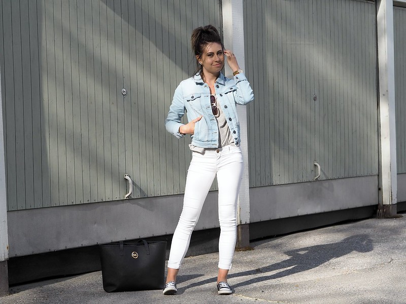 light blue denim jacket2