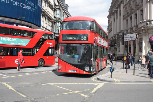Arriva London North LT201