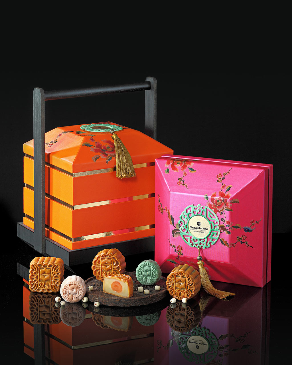 Showcase Of Delectable Mooncakes At Shangri La Hotel Kl