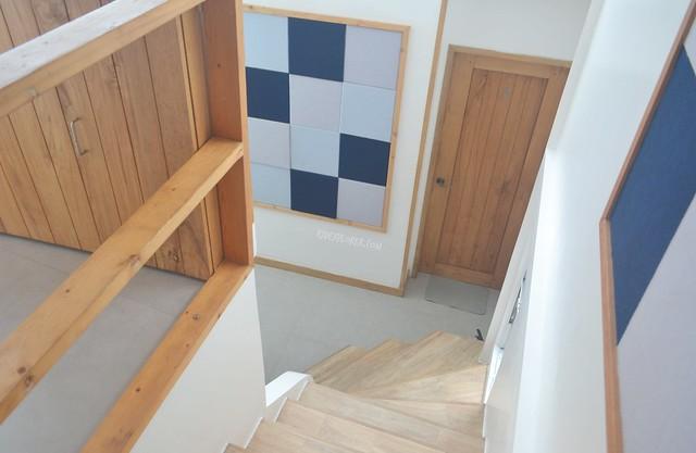 zuzuni hotels wooden staircase