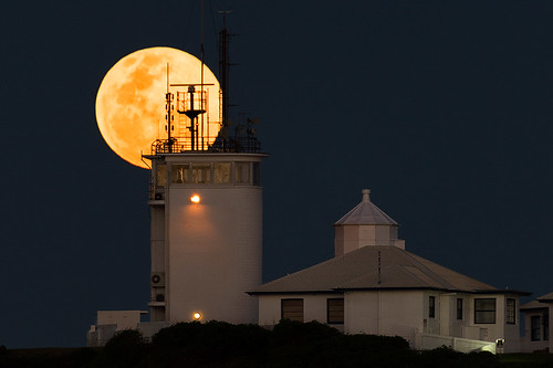 Nobbys lighthouse full moon rise