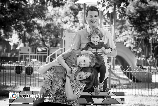 Family photos at the park with E and E