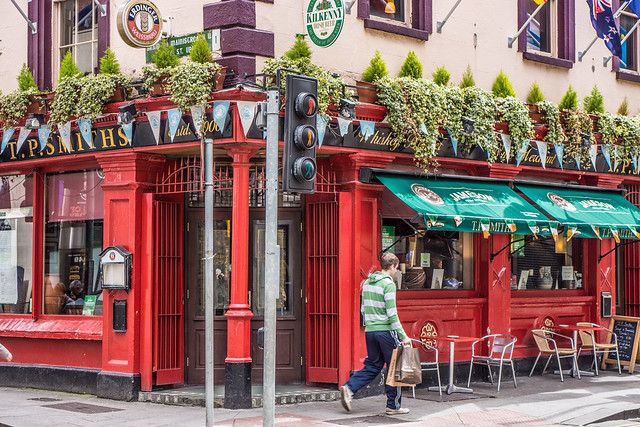 Smiths Pub: First Day Using The New Sony SEL50F18 Lens With A NEX-7 Body