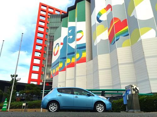 電気自動車「日産リーフ」充電@アジア太平洋トレードセンター