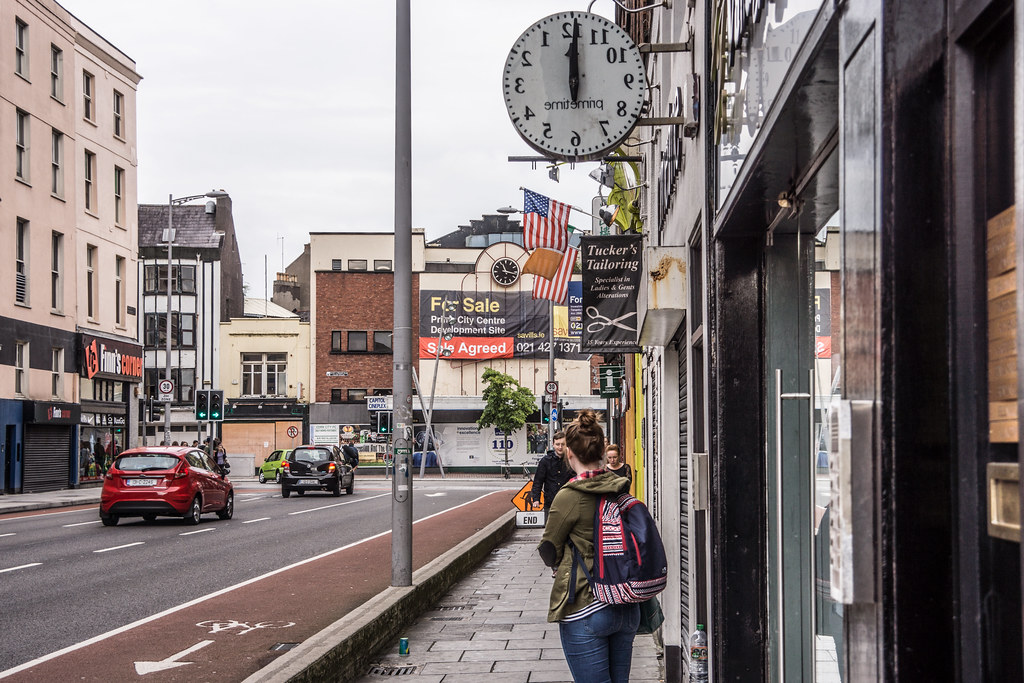 STRANGE CLOCK IN CORK [PRIME TIME CLOTHING LIMITED WASHINGTON STREET]-120648