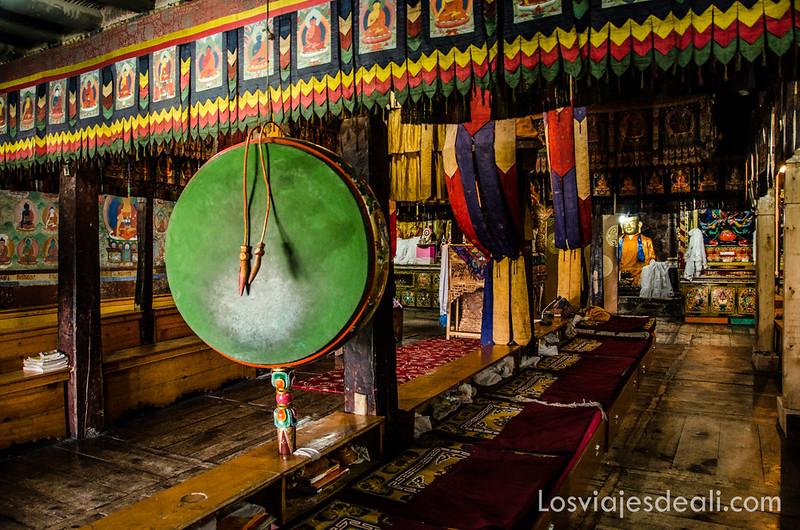 valle del Indo sala de oraciones del monasterio Thiksey