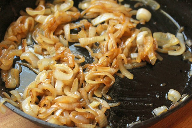 Fast & Dry Cast Iron Pan Caramelized Onions