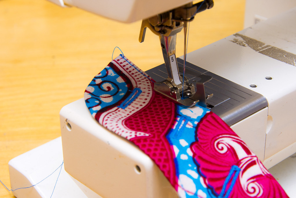 Sewing tutorial: How to make button fly on trousers