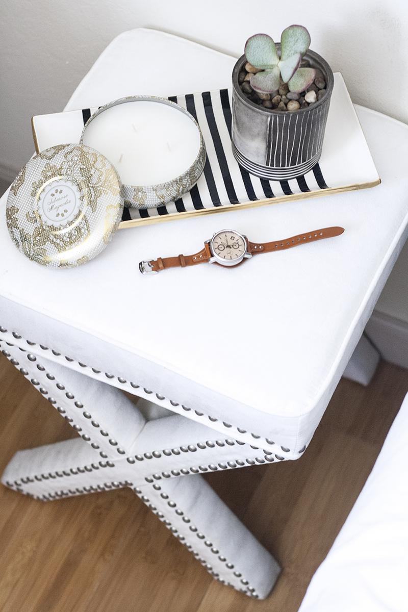 06bedroom-decor-stool-nightstand-style