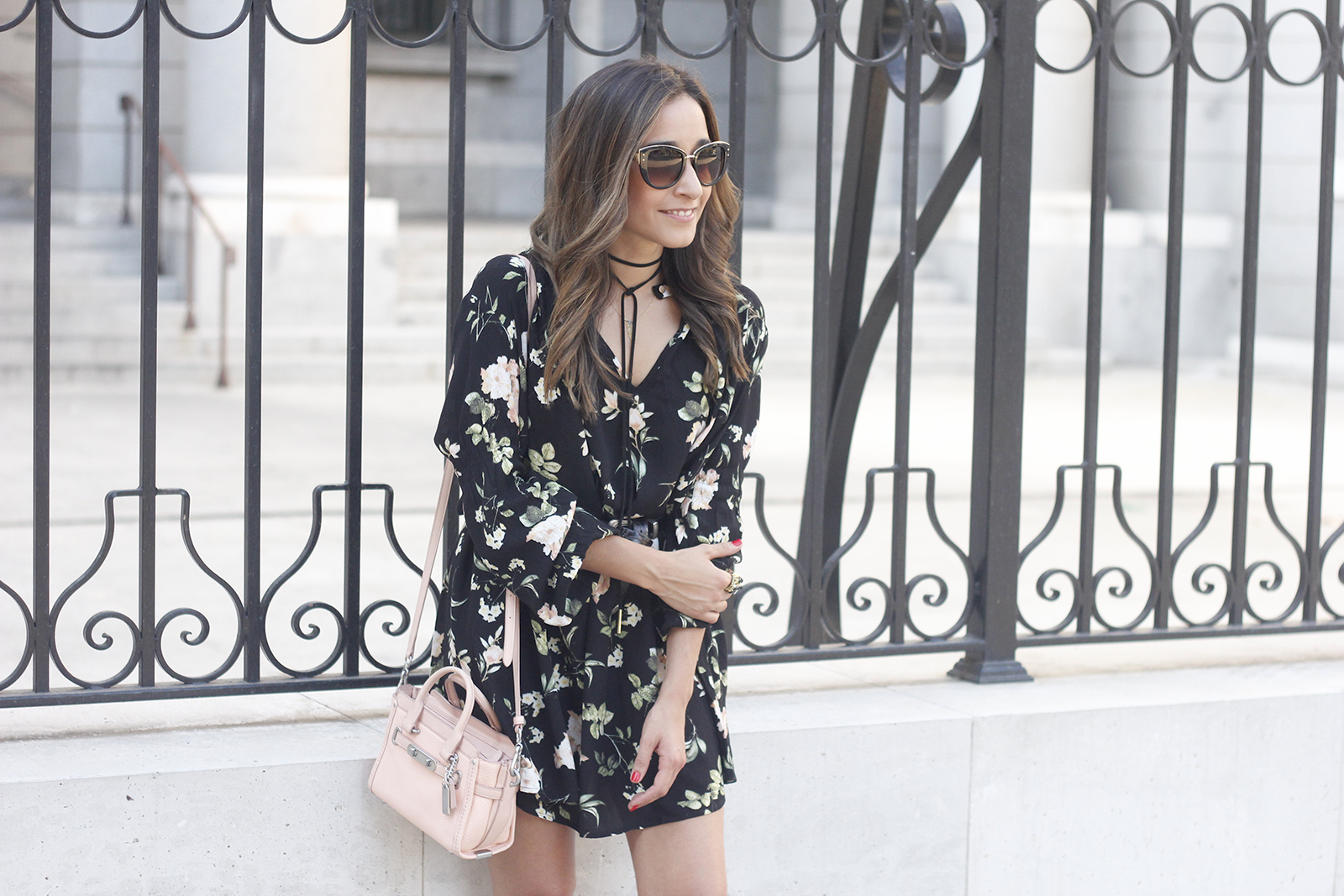 boho black dress with floral print hat coach bag wedges summer outfit09