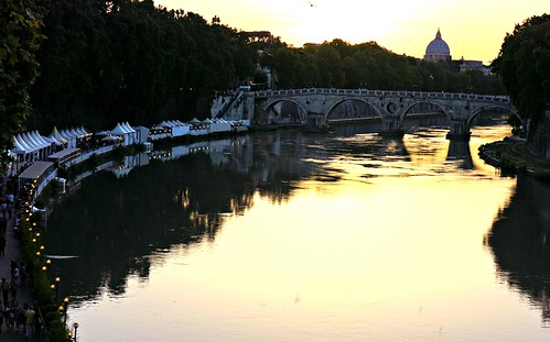 Ponte Sisto illalla