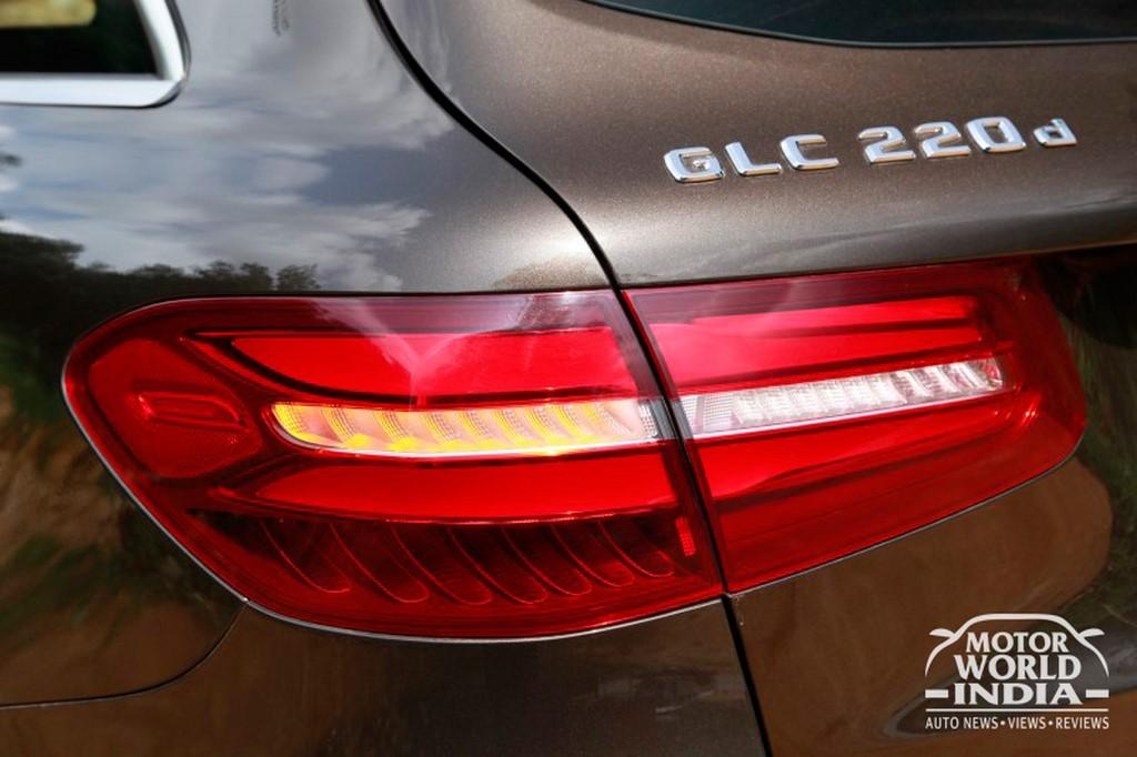 Mercedes-Benz-GLC-Taillight (6)