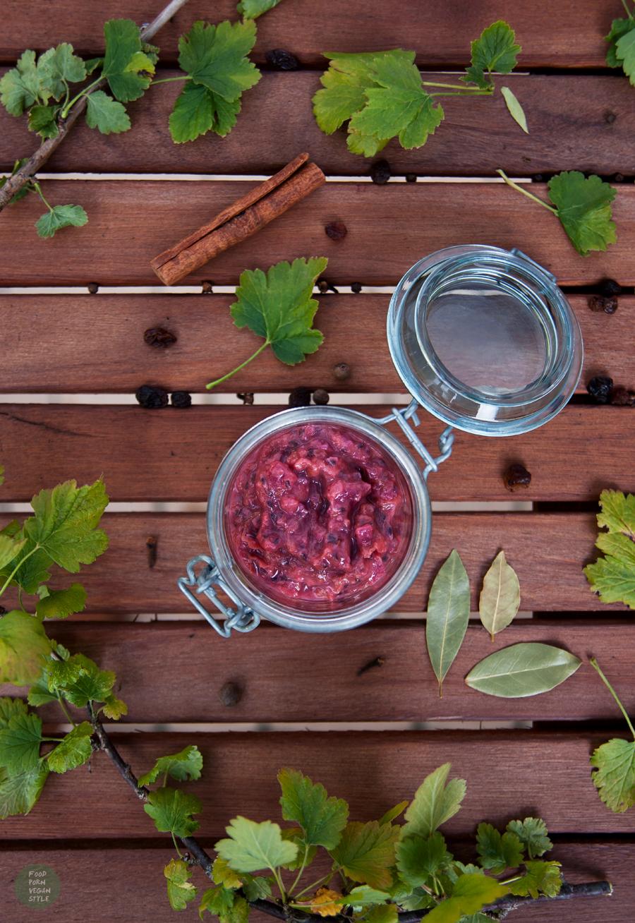 Spicy gooseberry chutney