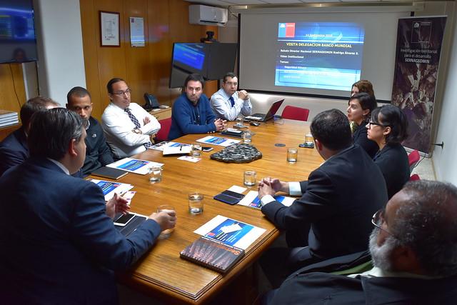 Banco Mundial y Sernageomin analizan avances sobre control de peligros geológicos de Chile (16-9-2016)