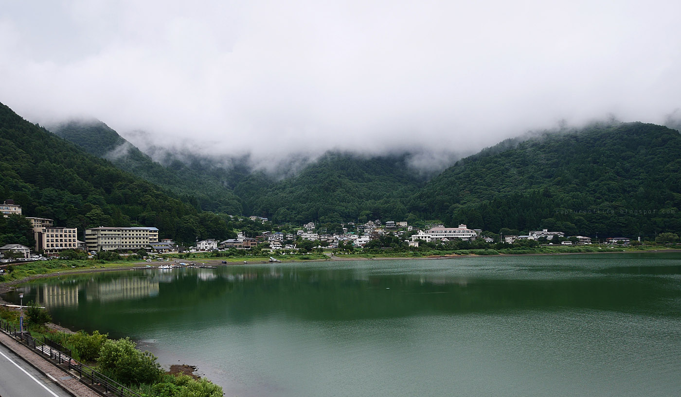 河口湖清晨, 富士山又不見了...