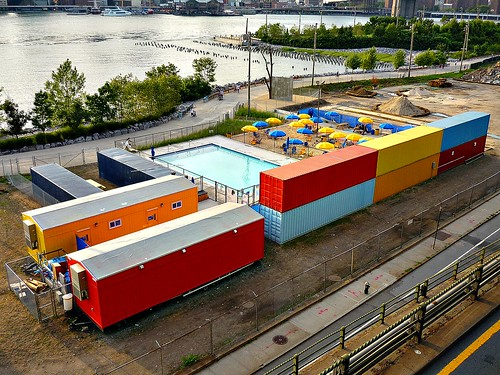 the unusual 39 pop up pool 39 complex at pier 2 in brooklyn br flickr. Black Bedroom Furniture Sets. Home Design Ideas