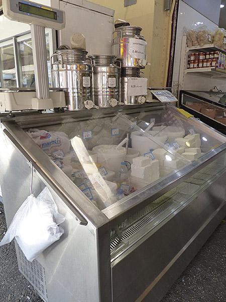 des fromages au marché d'Athènes
